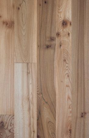 Walnut laminate flooring sam murphy for Diamond plate laminate flooring