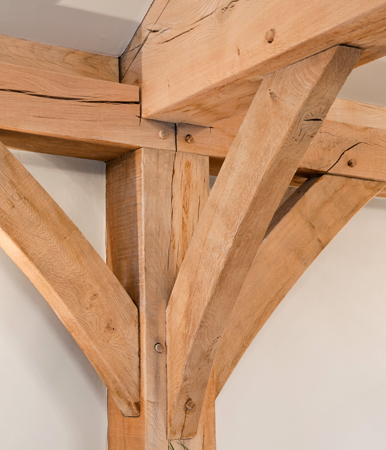Green oak curved bracing