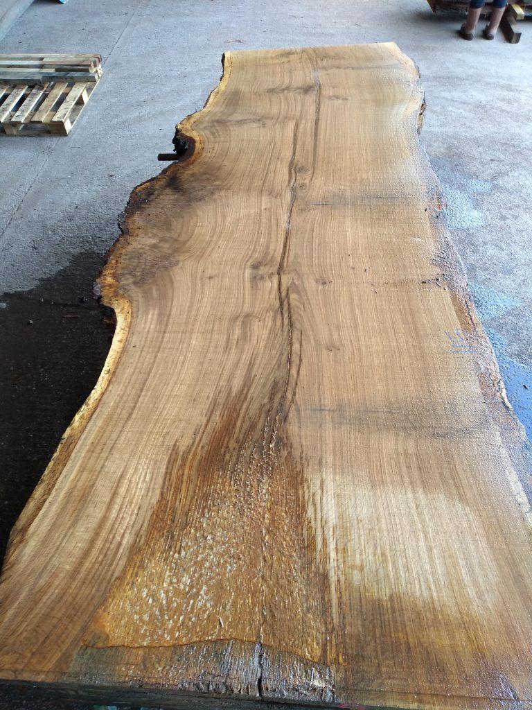 English Pippy Oak Log 00996 Fresh Sawn
