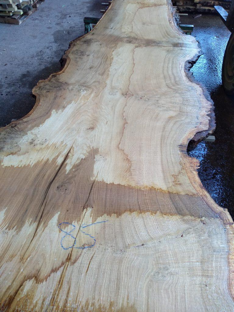 English Pippy Oak Log 3003 Fresh Sawn
