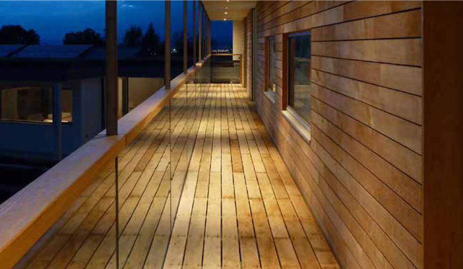 Air-dried oak decking